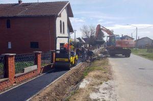 [FOTO] U tijeku su radovi na izgradnji pješačkih staza u Kuševcu
